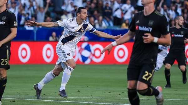 Bikin Netizen Heboh, Ini Kelakuan Konyol Ibrahimovic saat Selebrasi Gol