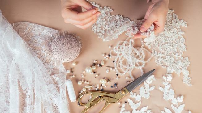 Horor, Perempuan Ini Ingin Buat Gaun Nikah dari Rambut Orang Mati