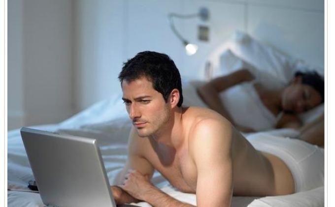 Ini yang Terjadi pada Tubuh Saat Melihat Konten Pornografi