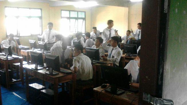 Komputer untuk UNBK Rusak, Siswa SMK di Tangerang Panik