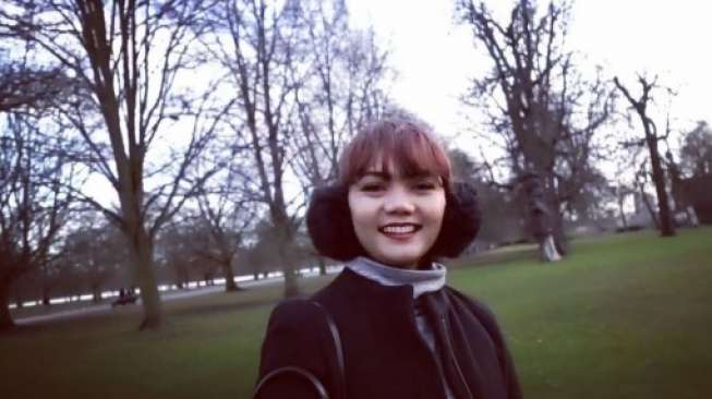 Kritik Buka Hijab Tak Mempan, Rina Nose Gabung Pesbuksers