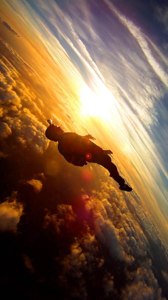Percayalah, Skydiving Akan Mengubah Hidup Anda