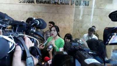 Vicky Shu Sedih Bulan Madu dengan Suami Terganggu
