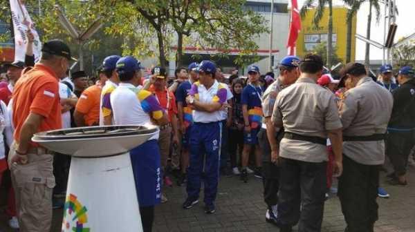 Kurang Koordinasi Jadwal Kirab Obor Asian Games Berantakan