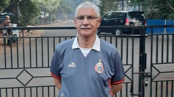 Edson Tavares Latih Persija, Siapkan Formasi ini