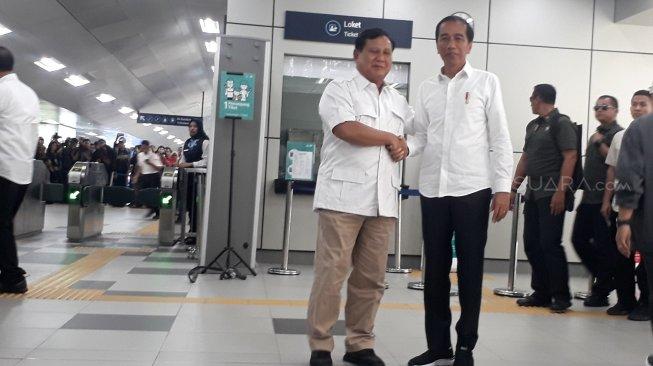 Ini Alasan Presiden Jokowi Bertemu Dengan Prabowo di Atas MRT