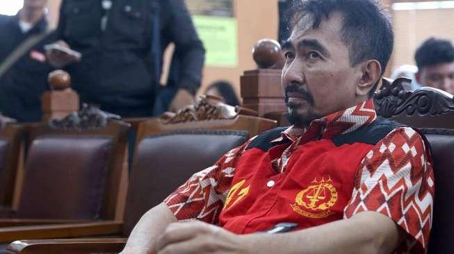 Korban Pelecehan Seksual Aa Gatot Nangis di Persidangan