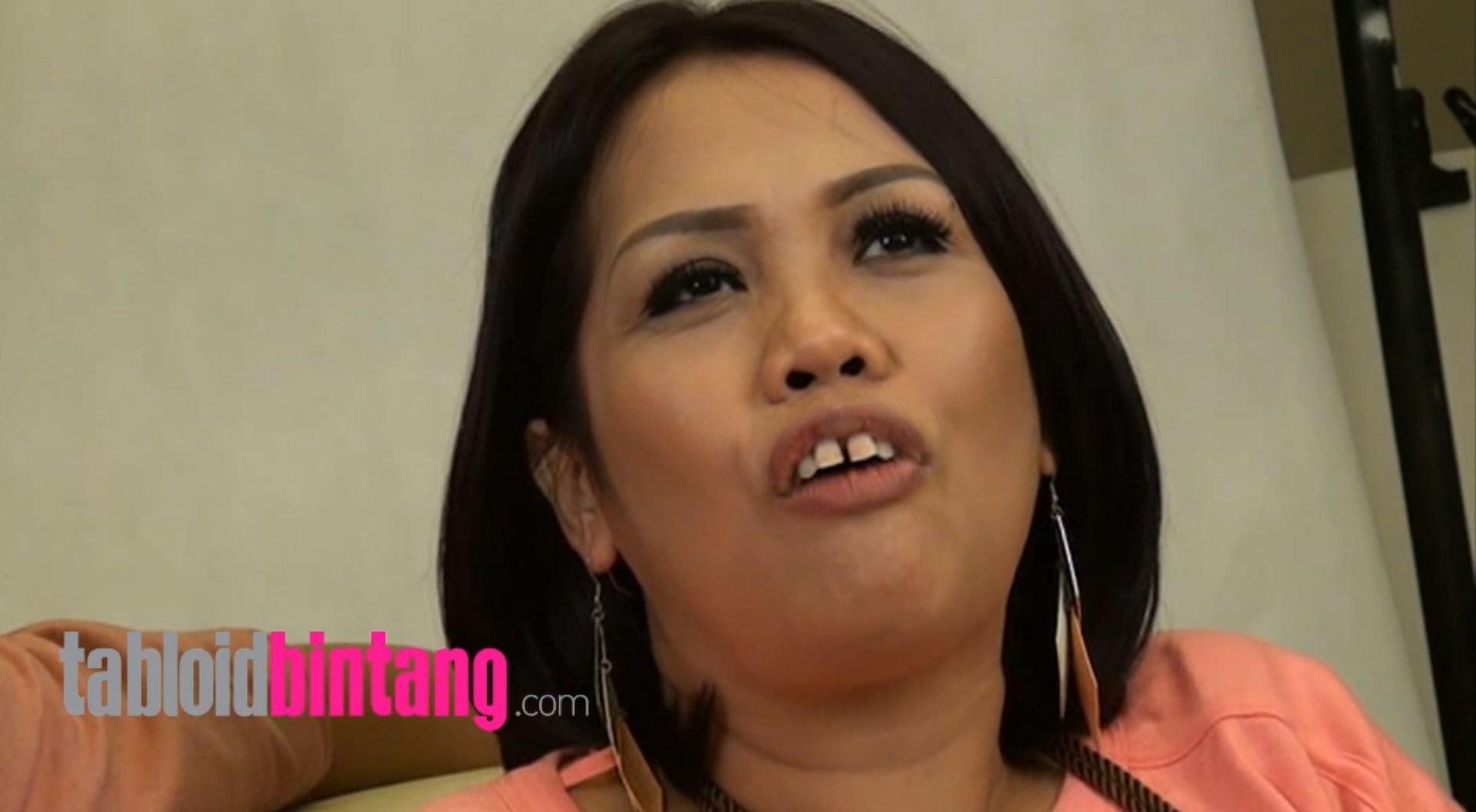 Elly Sugigi Latihan Nyanyi Bareng Dodhy Kangen Band: Gantikan Andika?