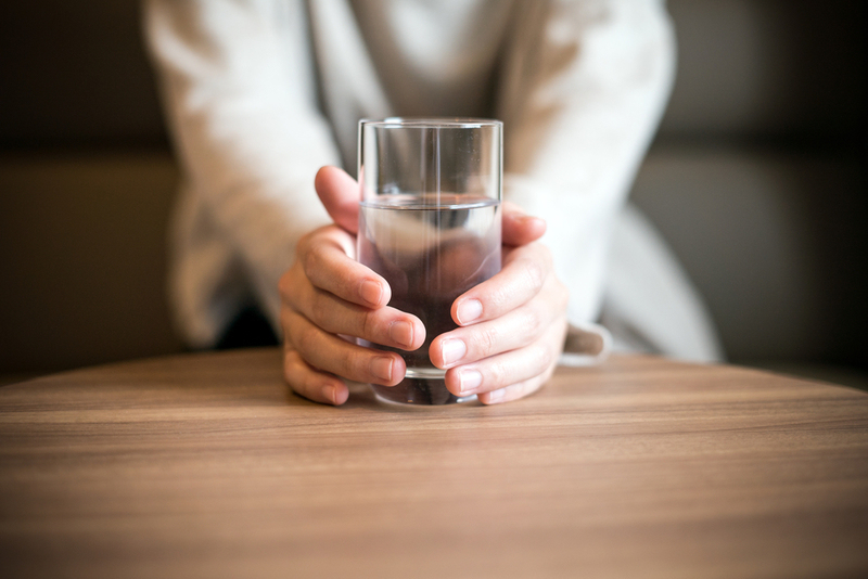 7 Manfaat Minum Air Hangat di Pagi Hari