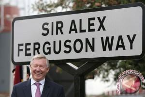 Alex Ferguson masuk rumah sakit untuk operasi pendarahan otak