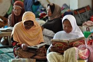 Ratusan lansia jadi santri Pondok Sepuh Payaman