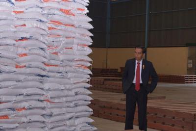 Tak Cuma Urus Konsumen, Jokowi Minta Bulog Perhatikan Petani