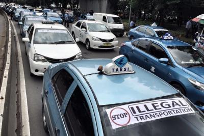Aturan Dicabut, Organda: Taksi Online Kembali Jadi Kendaraan Ilegal