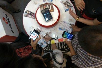 Gim Ponsel Terus Kuasai 90% Pasar Lokal