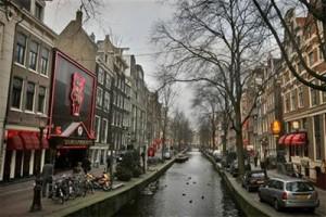 Kewalahan Tangani Wisatawan, Amsterdam Akan Naikkan Pajak dan Kurangi Hotel