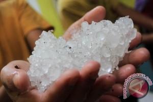 Masa Peralihan Musim Berpotensi Terjadi Hujan Es, Sebut BMKG