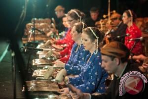 Warga Rusia Mainkan Gamelan dan Tarian Indonesia