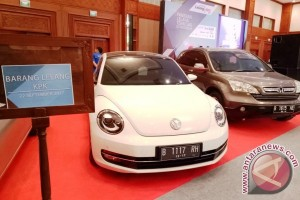 Sudah 900 peserta mendaftar lelang mobil KPK