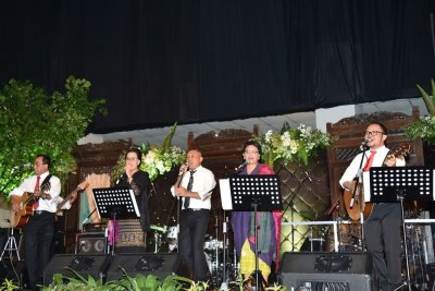 Presiden Jokowi Jadi Manajer Elek Yo Band