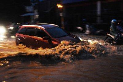 Banjir Madiun, Jalan Tol Ngawi – Kertosono Ditutup Sementara