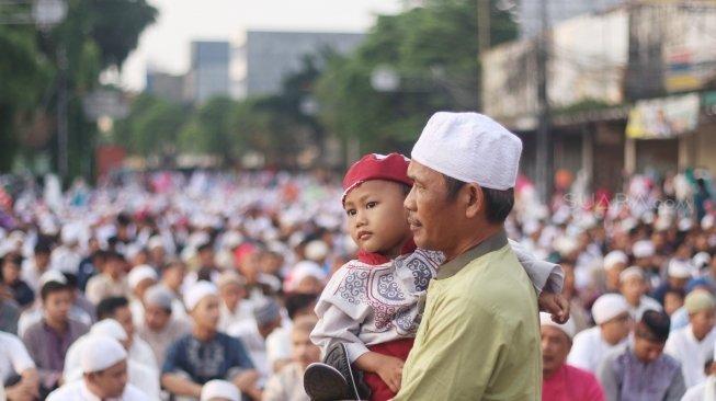 Tradisi Lebaran di 4 Negara, <i>Gak</i> Cuma Kumpul Keluarga