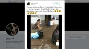 Tak Takut Gatal, Bidadari Cantik Ini Asyik Berenang di Kubangan Banjir