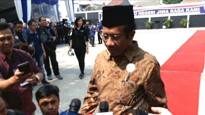 Dramatis! Mahfud MD Pulang ke Rumah, Jokowi Pilih Maruf Amin