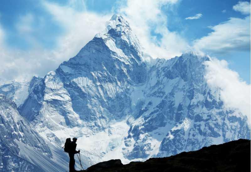 Gunung Ini Pecahkan Rekor Pendakian Terbanyak