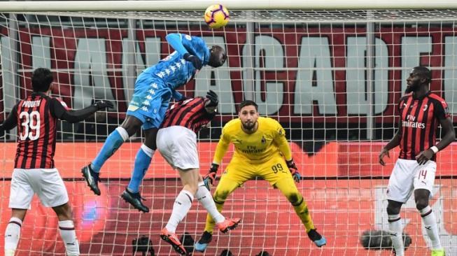 Laga AC Milan vs Napoli di San Siro Berakhir Anti Klimaks