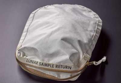 Bawa Pasir dari Bulan, Tas Milik Neil Armstrong Laku Rp24 Miliar