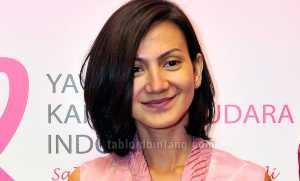 Wanda Hamidah Jadi Instruktur Yoga