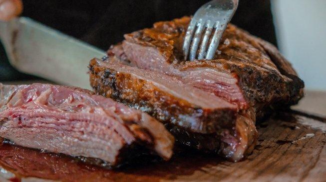 Ini 4 Cara Akali Kolesterol Tinggi saat Makan Daging Kalap di Idul Adha