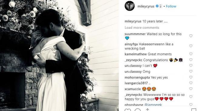 Pisah dengan Liam Hemsworth, Miley Cyrus Makin Intim sama Kaitlynn Carter