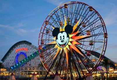 Pria Ini Kunjungi Disneyland Setiap Hari Selama 5 Tahun