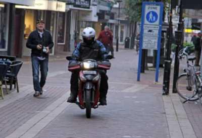 Kisah Bule Nekat Mudik dari Bali ke Belanda Naik Motor Bebek