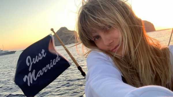 Heidi Klum Pamer Foto Nyaris Bugil Saat Bulan Madu