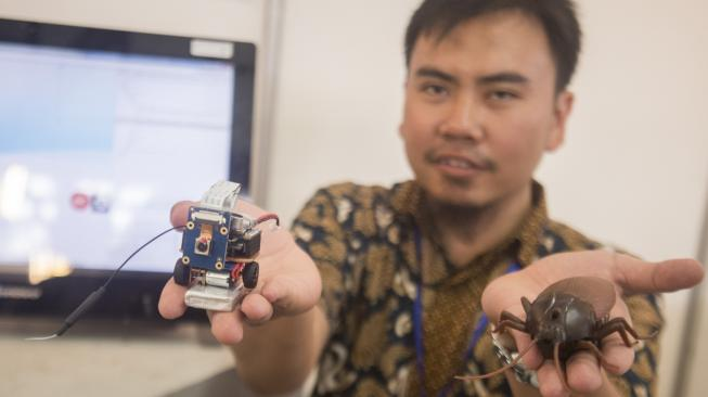 Robot Kecoa Mata-mata Buatan Mahasiswa ITB, Kayak Apa Sih?