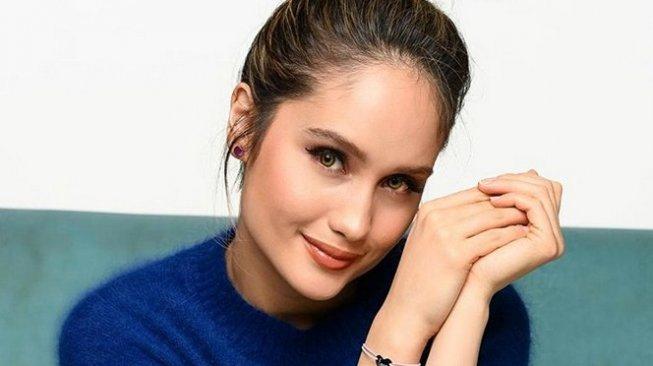 Cinta Laura Beristirahat dari Media Sosial, Apakah Ada Manfaatnya?