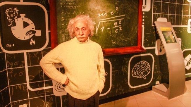 Ilmuwan India Sebut Teori Einstein Menyesatkan