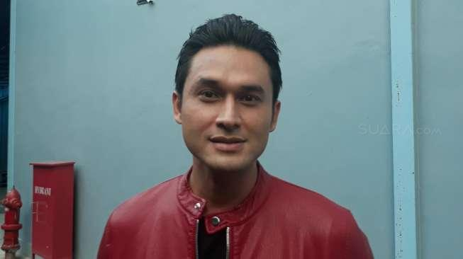 Tulis Calon Suami ke Umi Pipik, Indra Bruggman: Semoga Benar