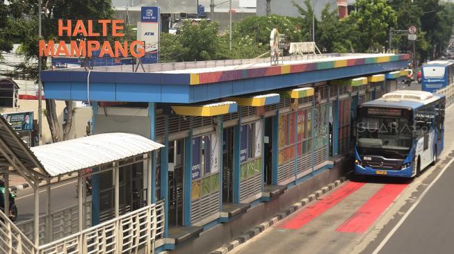 Rekor Baru, Penumpang Busway Tembus 800 Ribu dalam Sehari