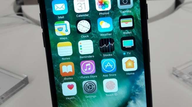 Keren! iPhone 7 Bertahan Jatuh dari Helikopter