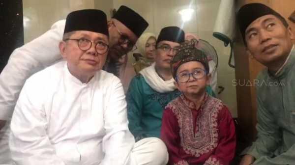Ayah Angkat Daus Mini  Masuk Islam