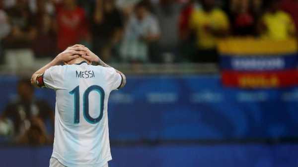 Pemain Qatar Tak Akan Foto dengan Messi