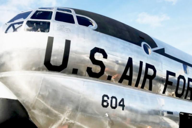 Keren, Pesawat Militer Era Perang Dingin Disulap Jadi Restoran