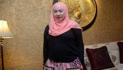 Melly Goeslaw dan Anto Hoed Luncurkan Just Cake di Pekanbaru