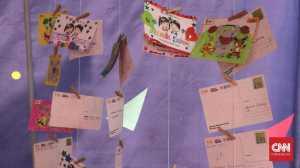Kartu Pos, Pesan Penuh Kesan yang Asing di Mata Milenial