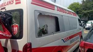 Ditiduh Bawa Batu Anak STM, Ini Penampakan Ambulans Pemprov DKI