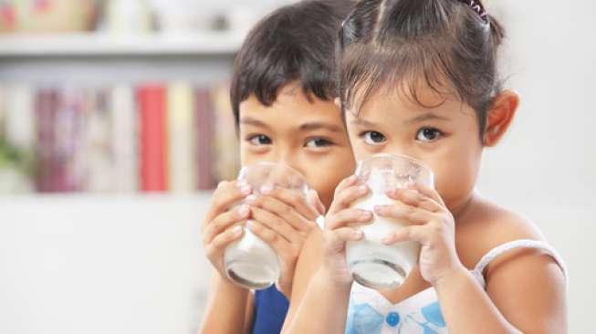 Minum Susu Tiga Gelas Sehari Bisa Cegah Obesitas