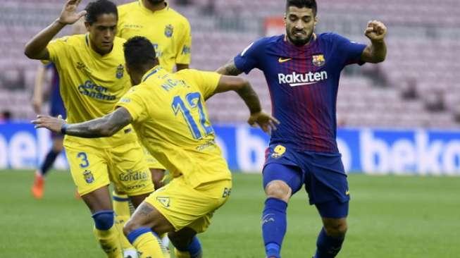 Suarez Tertangkap Kamera Robek Seragam Barcelona, Ini Penyebabnya